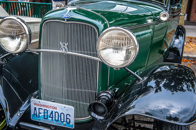 1932 Ford Victoria - Grille and headlight