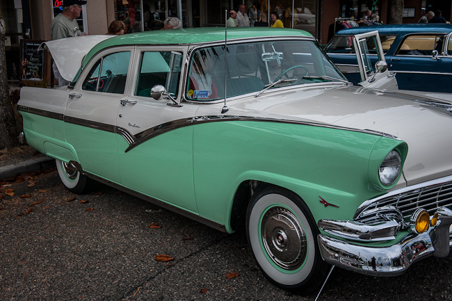 1956 Ford Fairlaine Town Sedan