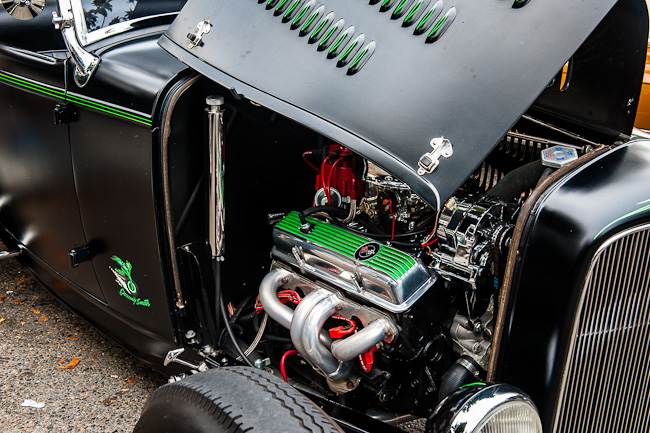 1932 Ford Roadster - 330 hp under the hood